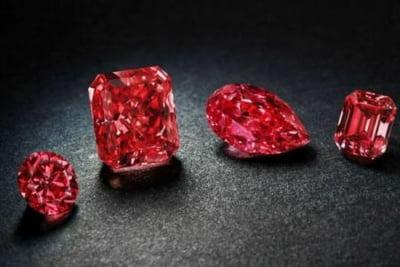 Diamante rosii extrem de rare, expuse in Australia: Exista doar 30 in lume