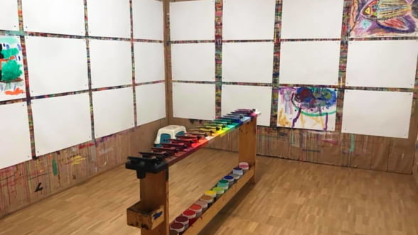 Din Elvetia, in toata Europa: Cel mai mare tablou colectiv ajunge si in Romania