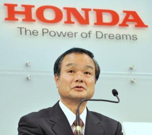 Directorul companiei Honda, salariul taiat din cauza masinilor chemate in service