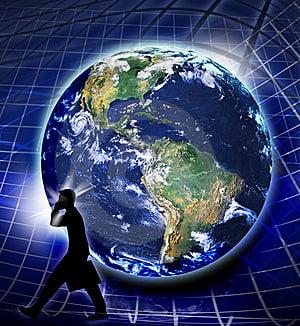 Doctor Apocalipsa: Inca o cadere inainte ca economia sa isi revina