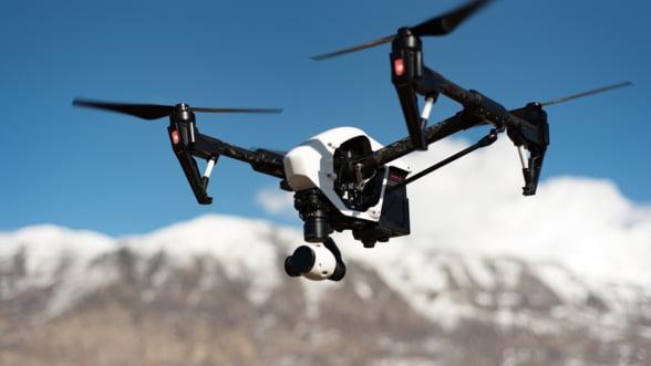 Doi din trei elevi considera ca noile meserii ale viitorului vin din robotica si inteligenta artificiala