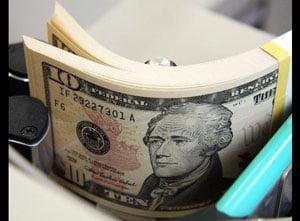 Dolarul s-a apreciat cu 0,2% fata de un cos de valute si cu 0,3% fata de euro