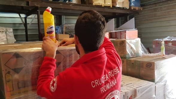 Domestos ajuta Crucea Rosie cu o donatie de produse in valoare de peste 70.000 de euro
