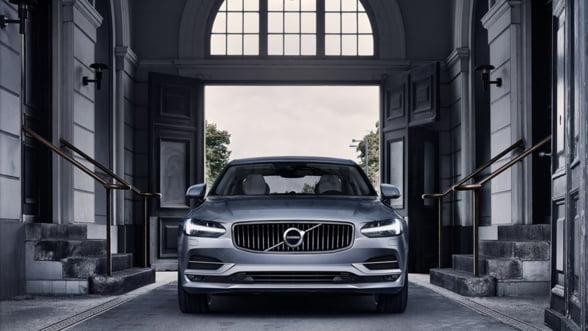 Doua bijuterii auto intra pe piata din Romania: Volvo S90 si V90, calea sigura spre lux