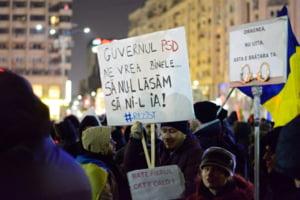 Doua saptamani de protest in Piata Victoriei: Islandezii ies in strada din solidaritate fata de romani