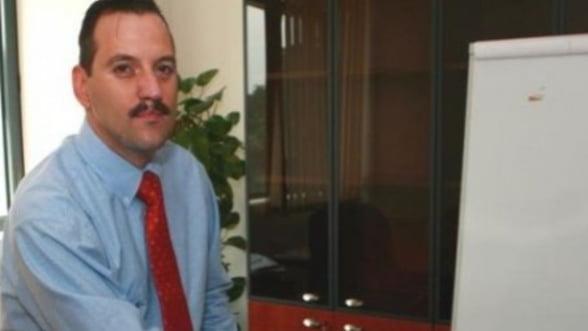 Dragos Cabat: Cursul valutar poate atinge 4,8 lei/euro in 2012