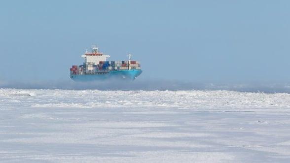 Drumul dintre Asia si Europa va deveni mai scurt: un portcontainer trece in premiera pe ruta arctica