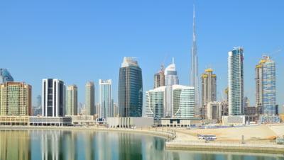 Dubaiul va avea magazine Carrefour plutitoare care vor deservi barci si iahturi