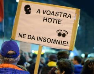Duminica este iar protest #rezist de amploare in Capitala: Stop joc. In democratie, coruptii stau la puscarie