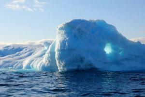 Dupa ce a topit Europa, valul de caldura se deplaseaza inspre Groenlanda. Ce urmeaza