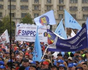 Dupa medici si profesori, si politistii cer salarii mai mari