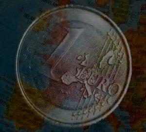 EURO OBLIGATIUNILE - glontul magic pentru criza datoriilor suverane?