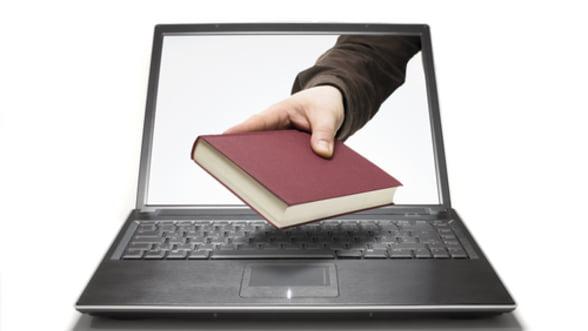 Ebooks, un nou inceput pentru industria cartii? Vanzarile s-au triplat intr-un an