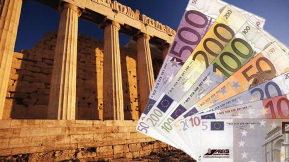 Economia Greciei s-a contractat peste estimari in 2012