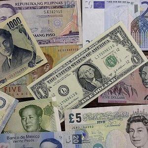 Economia Marii Britanii se va confrunta anul viitor cu cea mai grava recesiune din 1946