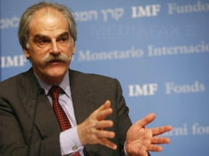 Economia mondiala se redreseaza moderat