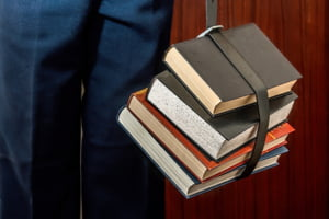 Editura Didactica si Pedagogica ii da in judecata pe autorii manualelor de Geografie pline de greseli