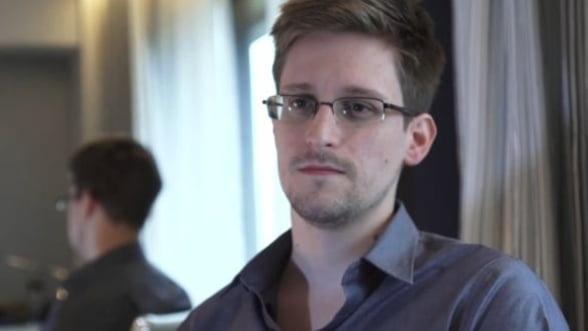 """Edward Snowden sustine ca presa a fost indusa in eroare in legatura cu """"situatia sa"""""""