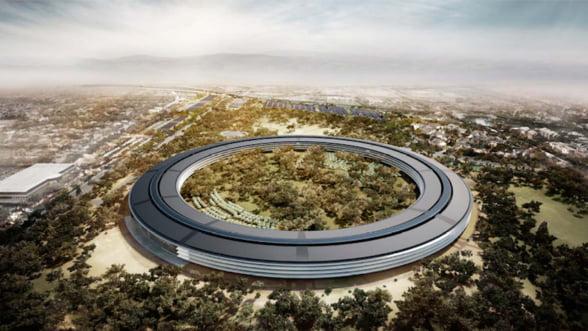 """Efectele fluctuatiilor """"extreme"""" ale rublei: Apple nu mai vinde online in Rusia"""