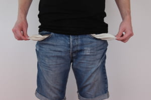 Efectele revolutiei fiscale: Salariile in mediul privat au scazut cu 13%. E cea mai mare reducere din ultimii 3 ani