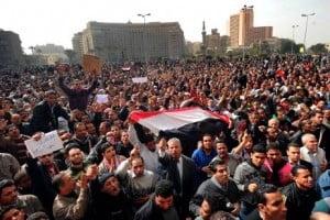 Egiptul a pierdut deja cel putin un miliard de dolari si un milion de turisti