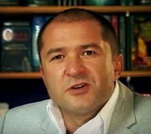 Elan Schwartzenberg, dat in urmarire internationala