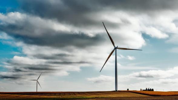 Energia eoliana asigura peste 27% din productia nationala de electricitate, joi dimineata