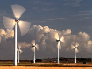 Energia verde incarca facturile cu 4%, in 2011