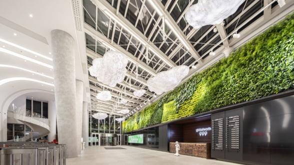 Energie generata de pasii vizitatorilor, in premiera mondiala, intr-un turn de birouri din nordul Bucurestiului