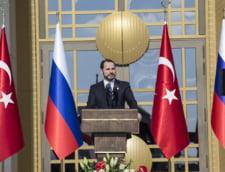 Erdogan si-a facut ginerele ministru de finante in guvernul fara premier pe care il conduce