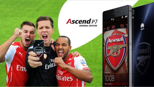 Esti fan al echipei Arsenal? Huawei a creat un smartphone special pentru tine
