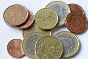 Euro, mai puternica decat fosta moneda a Germaniei