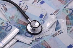 Euro a atins un nou maxim istoric în raport cu leul. Dolarul american, pe un curs similar