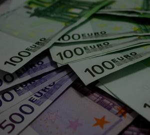 Euro isi trage suflul. Adoptarea euro, un plan esuat?