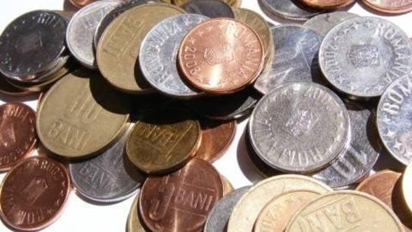 Euro scade sub 4,55 lei, pe fondul presiunilor Bancii Centrale