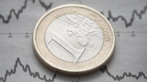 Euro se depreciaza puternic din cauza Ciprului si Italiei