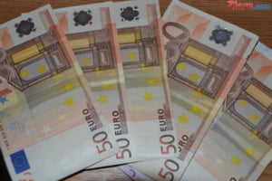 Euro va ajunge 4,62 lei, potrivit unei analize Erste