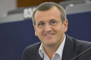Europa cu doua viteze: Cristian Preda ii critica pe europarlamentarii romani care n-au facut nimic impotriva planului Juncker, dar acum il condamna