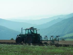 Europarlamentarii vor ca simplificarea PAC sa creeze conditii mai bune pentru agricultori