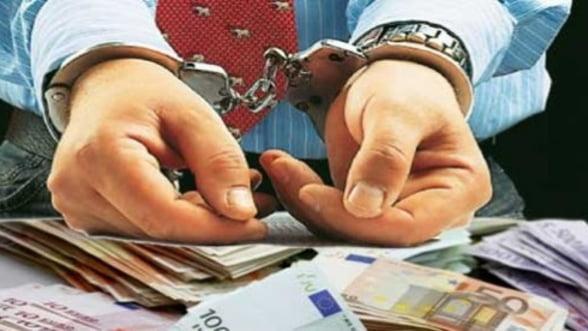 Evaziune fiscala de peste 9,6 milioane euro la Pitesti. Doua persoane, retinute
