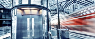 Evolutia ascensoarelor: de la rudimentar la modern