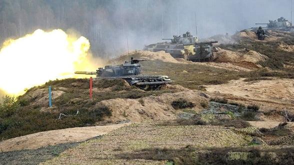 Exercitiile militare ordonate de Putin ingrijoreaza NATO: Vin rusii, dar daca uita sa mai plece?