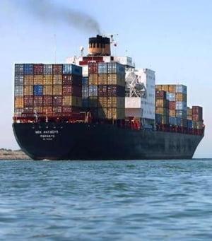 Exporturile cresc peste importuri