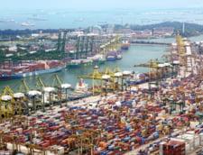 FMI: Razboiul comercial dintre SUA si China reprezinta cel mai mare risc la adresa stabilitatii mondiale