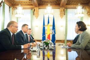 FMI, discutii cu Opozitia si cu Puterea: PSD si PNL nu se pun de acord