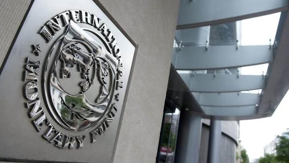 FMI a supraevaluat riscul rezervelor valutare excesive