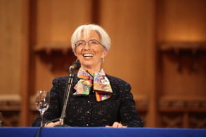 FMI nu se asteapta la o recesiune, pe termen scurt, a economiei mondiale
