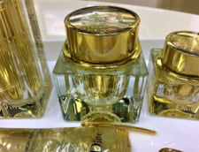Fabricile de parfumuri Dior vor produce de luni geluri dezinfectante pentru spitalele din Franta