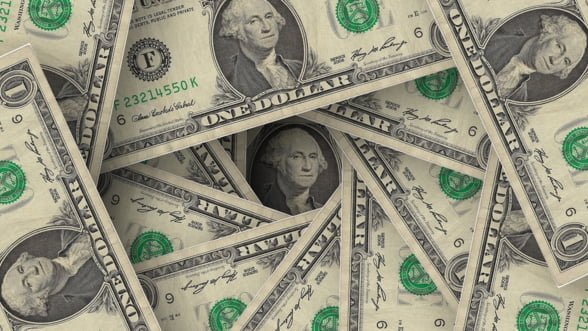 Fed reduce rata dobanzii si transmite semnale ambigue in piata