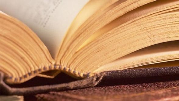 Femeile cu studii superioare, cele mai fidele cumparatoare de carte din Romania